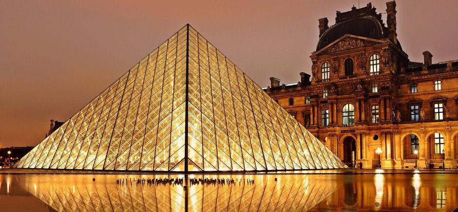 Visitez le Louvre à Parisà 45 kms du camping