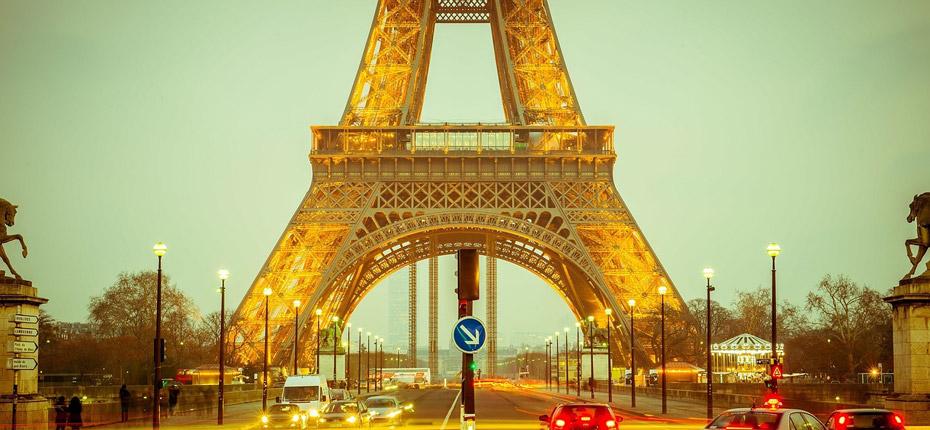 La tour eiffel à Paris à environ 45 kms du Camping